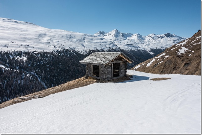 A nice place ot stop (Ski touring Avers March 2019)