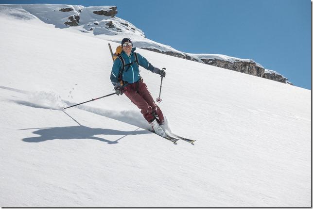 Birgit puts in a turn (Ski touring Avers March 2019)